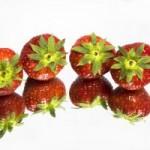 1valge, maasikad